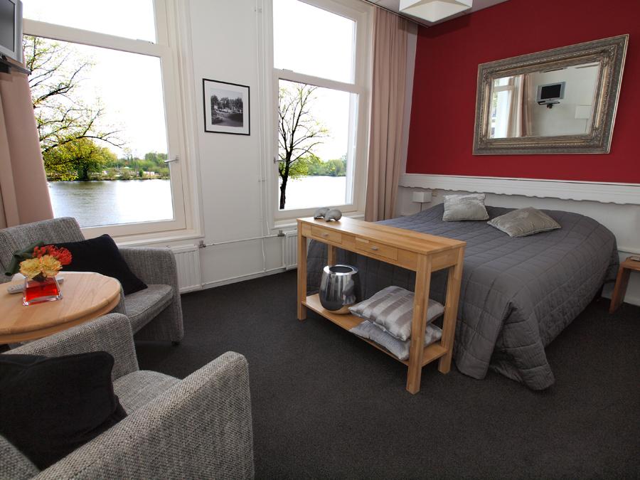 Tweepersoonskamer (uitzicht IJssel)