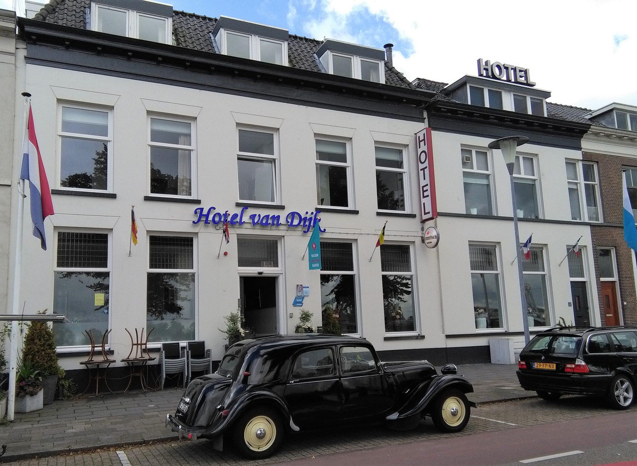 Voorwaarden Hotel van Dijk